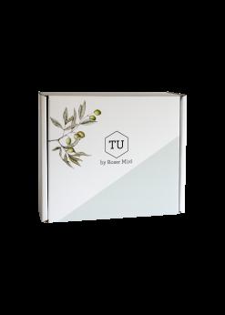 Escull com a mínim 3 productes i emporta't la capsa de regal TU by Roser Miró. Perfecta per a regalar i fer un detall sorprenent!
